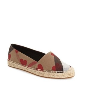 Burberry Red heart Flats