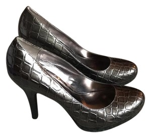 Alfani silver/ pewter Pumps