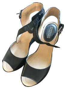 Kenneth Cole Reaction Wedge Ankle Wraparound Black Sandals