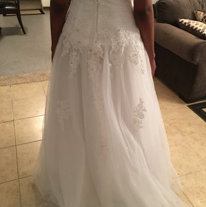 David's Bridal Never Worn Wedding Dress