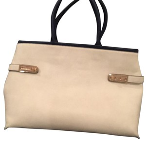 Miztique Tote in light tan with navy