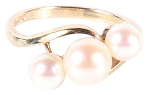 Mikimoto A 14K yellow gold Mikimoto ring with cultured pearls