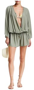 Vince Camuto NWT Vince Camuto Surplice swimsuit cover up size M/L