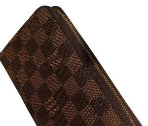 Louis Vuitton Large Zippy