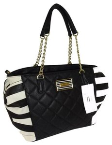 Betsey Johnson Stripe Sides Side Pockets Quilted Diamond Tote in BLACK