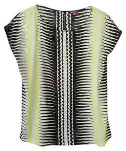 Vince Camuto Graphic Bold Comfortable Top Black, white and chartreuse