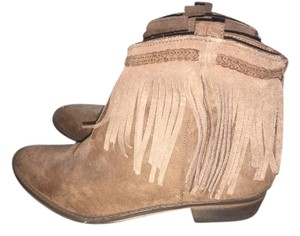Mossimo Supply Co. Fringe Western Summer Festival Tan Boots