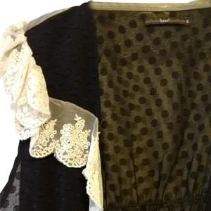 Hazel Top Black with antique white lace