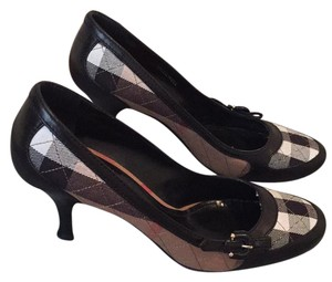 Burberry Pumps