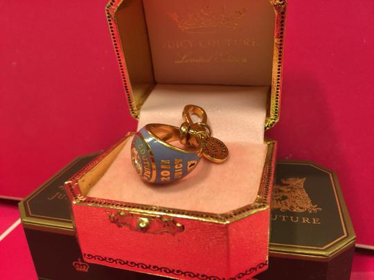 Juicy Couture JUICY COUTURE *RARE* 2011 BLUE CLASS RING LIMITED EDITION CHARM!! Image 1