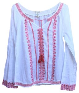 Lucky Brand Top white and red/pink embroidery
