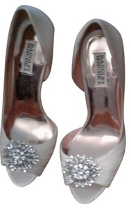 Badgley Mischka silver satin Pumps