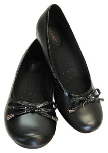 Predictions Size 7.00 M Padded Footbed Safe Sep Sole Very Good Condition Black Flats