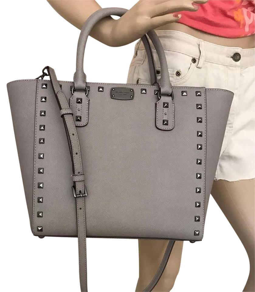 ec8647adc5abe0 Michael Kors Jet Set Item Snap Pocket Jet Set Travel Tote in Pearl gray ...