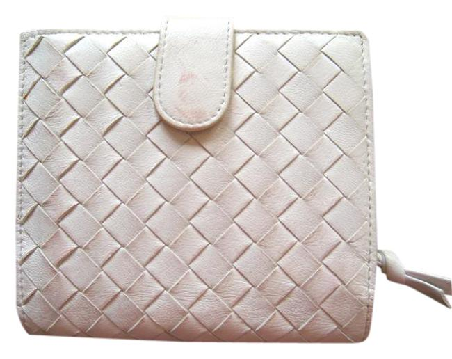 Item - White Leather Wallet
