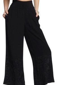 Nicole Miller Capri/Cropped Pants Black