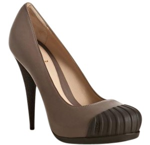 Fendi Cap Toe Hidden Platform Platform Leather Two-tone Taupe Pumps