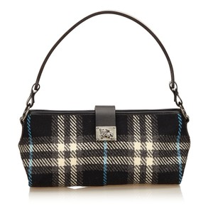 Burberry 7cbush019 Shoulder Bag
