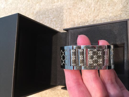 Gucci Gucci Ladies Twirl Mother of Pearl Diamond Bezel Watch