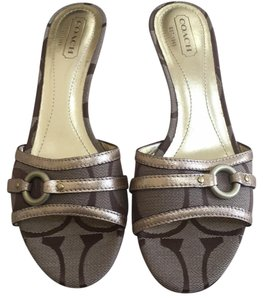Coach khaki/gold Sandals