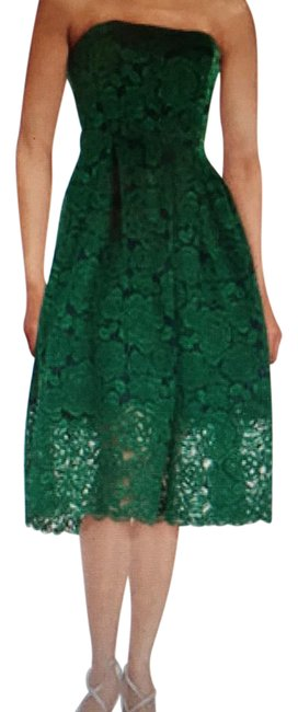 Preload https://img-static.tradesy.com/item/21244136/vera-wang-green-strapless-lace-mid-length-cocktail-dress-size-8-m-0-1-650-650.jpg