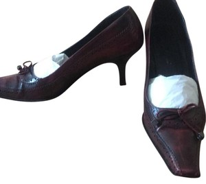 Via Spiga cherry Pumps
