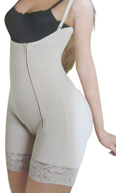 Preload https://img-static.tradesy.com/item/21244783/beige-black-contouring-and-post-surgical-activewear-size-os-one-size-0-2-650-650.jpg