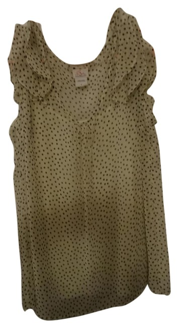 Preload https://img-static.tradesy.com/item/21245111/cream-with-black-dots-blouse-over-tank-topcami-size-12-l-0-2-650-650.jpg