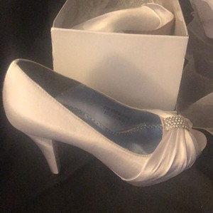 David's Bridal Open Toe Wedding Heel With Diamond Accent Wedding Shoes