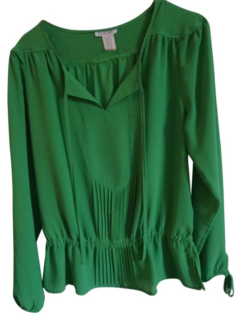 Preload https://img-static.tradesy.com/item/21245643/jg-hook-green-blouse-size-10-m-0-1-650-650.jpg