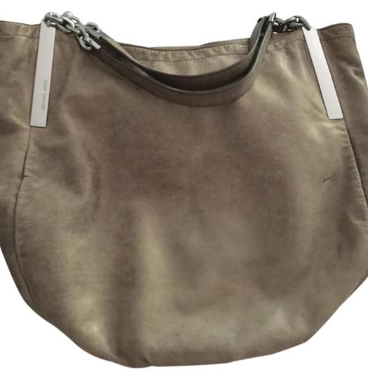 Preload https://img-static.tradesy.com/item/21245830/michael-kors-unknown-taupe-with-slight-sparkle-soft-leather-shoulder-bag-0-1-540-540.jpg