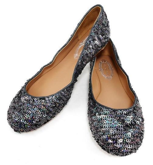 Preload https://img-static.tradesy.com/item/21245941/elie-tahari-sparkling-steel-stunning-regina-sequins-soft-leather-ballet-flats-size-eu-36-approx-us-6-0-2-540-540.jpg