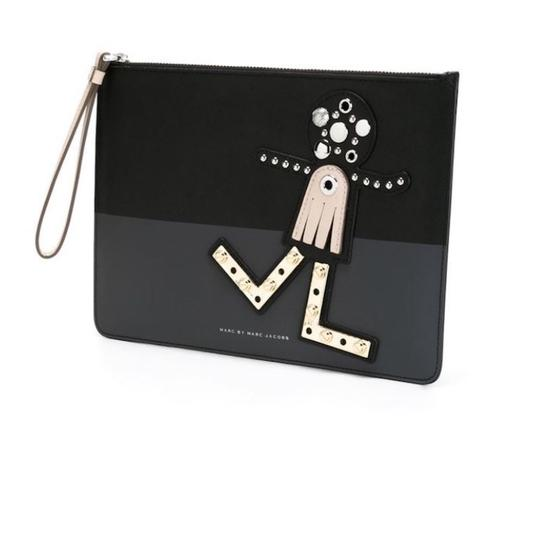 Preload https://img-static.tradesy.com/item/21246469/marc-jacobs-black-grey-chicka-clutch-cosmetic-bag-0-1-540-540.jpg