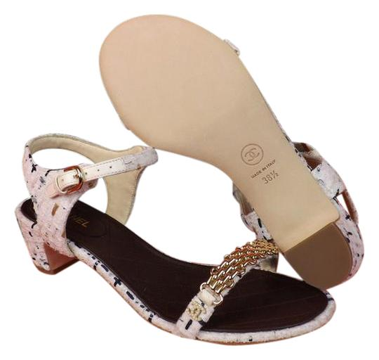 Preload https://img-static.tradesy.com/item/21246501/chanel-white-16p-tweed-gold-chain-cc-pearl-logo-sandals-low-heel-pumps-size-eu-405-approx-us-105-reg-0-1-540-540.jpg
