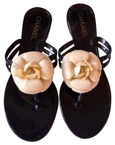 Chanel Interlocking Cc Jelly Rubber Camelia White Camelia Black, Beige Sandals