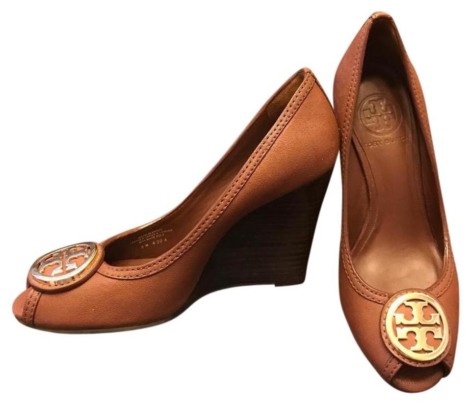e843c9656 Women s Shoes - Up to 90% off at Tradesy