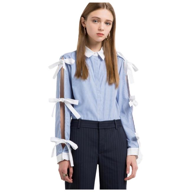 Preload https://img-static.tradesy.com/item/21247855/blue-and-white-tie-sleeve-button-down-d12-blouse-size-6-s-0-0-650-650.jpg