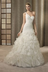 Pronovias Tarot Wedding Dress