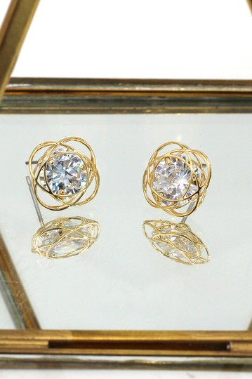 Ocean Drive Clothing Exquisite flower crystal gold earrings Image 2