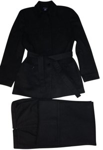 Ann Taylor Lovely Ann Taylor black pants-suit w/belted (or not) jacket.