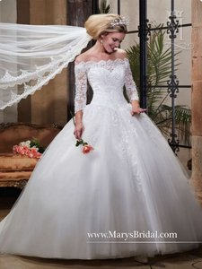 Mary's Bridal White Polyester (Lace and Tulle) Fairy Tale Princess - F15-6362 Modest Wedding Dress Size 8 (M)