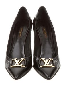 Louis Vuitton Lv Logo Black Pumps
