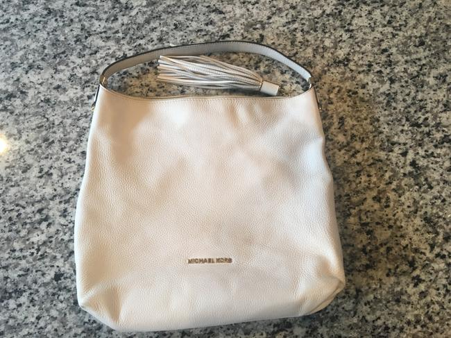 Item - Fringe Zipper White Leather Shoulder Bag