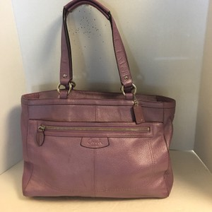 Coach Tote in pearlized lavender