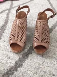 Eric Michael Boho Chic Cool Taupe/Tan Sandals