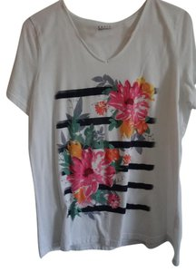 Basic Editions T Shirt white with colored flowers