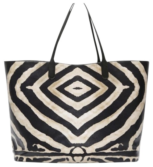 Preload https://img-static.tradesy.com/item/21252965/knowlesandco-large-zebra-w-pouch-tote-0-1-540-540.jpg