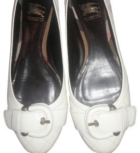 Burberry Off White Flats