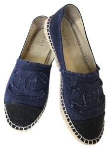 Chanel navy/black Flats