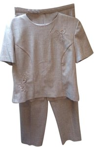 Sag Harbor NEW SAG HARBOR SIZE 10 2 PIECE OUTFIT TOP & PANTS